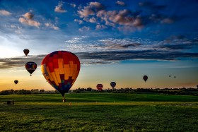 Free photo of Sky, Aerostat, Cloud, Plant and Hot air ballooning