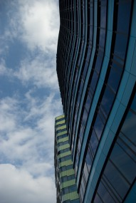 Free photo of Sky, Building, Cloud, Condominium and Daytime