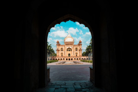 Free photo of Tomb of Safdarjung view from entrance