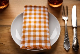 Free photo of Table, Dishware, Tableware, Serveware and Plate